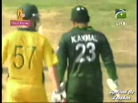 Brad Haddin VS Pakistan Team  Serious words, Fight, Pushings & Sledges  Pak VS Aus 19 03 2011