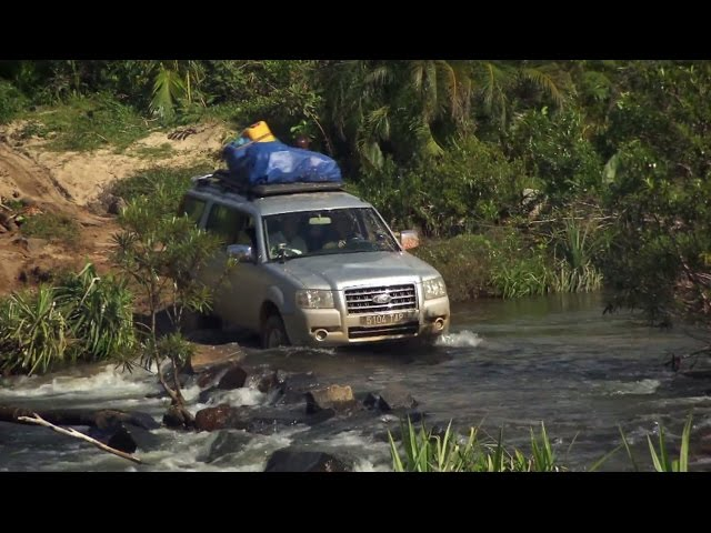 Perilous African River Crossing - World's Most Dangerous Roads - Series 3 - BBC