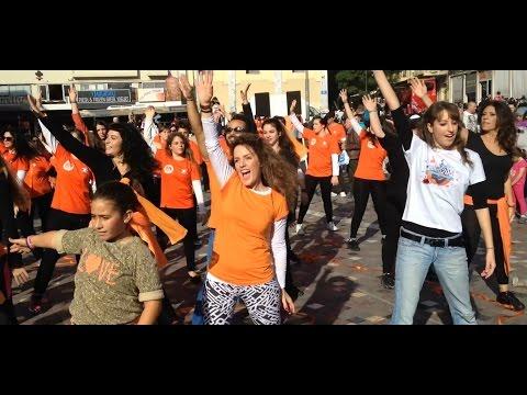 Όλοι μαζί μπορούμε Life Vest Inside ο Χορός της Καλοσύνης video