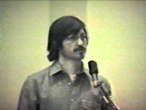 Steve Jobs rare footage conducting a presentation on 1980 (Insanely Great) Music Videos