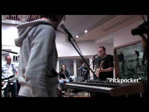 Fujiya and Miyagi - Pickpocket (Live on KEXP)