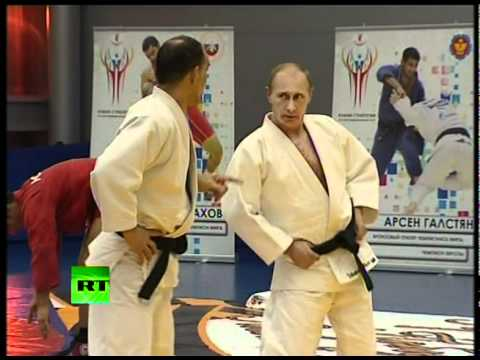 Judo Knight  Putin shows off martial arts skills in wrestling bout