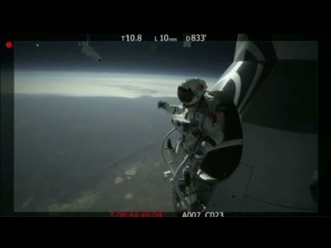 Skydiver Baumgartner survives a test jump from 96,000 feet
