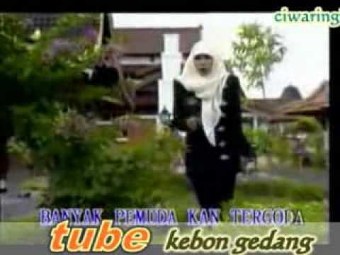 download lagu Busana Muslim gratis