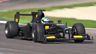 Formula 1 (F1) V8 PURE ENGINE SOUND!