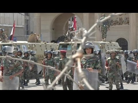 Egypt: divided over army