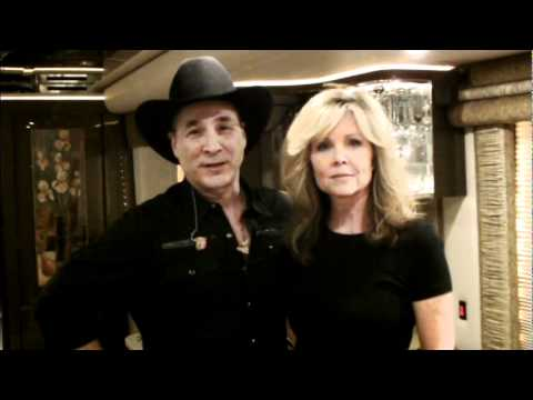 Clint black easy for me to say with lisa hartman black for Is clint black and lisa hartman still married