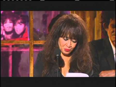 Ronettes accept award Rock and Roll Hall of Fame  Inductions 2007