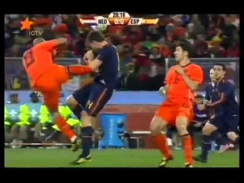 Nigel De Jong's tackle on Xabi Alonso - 2010 S/A World Cup