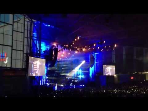 Drake his performance - All Me with 2 Chainz and Big Sean at his OVO Fest Toronto 2013