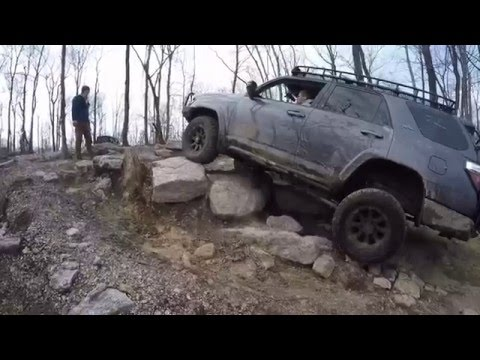 Toyota 4Runner and Jeep Wrangler off road at Rausch Creek