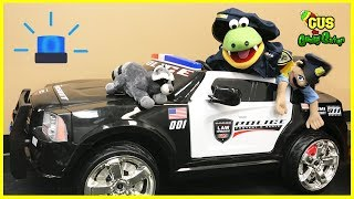 Kids Police Power Wheels Ride On Car catch Bad Raccoon puts in Jail for stealing