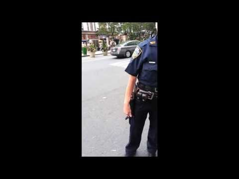 Shocking video of how NYPD officers treat street vendors !!