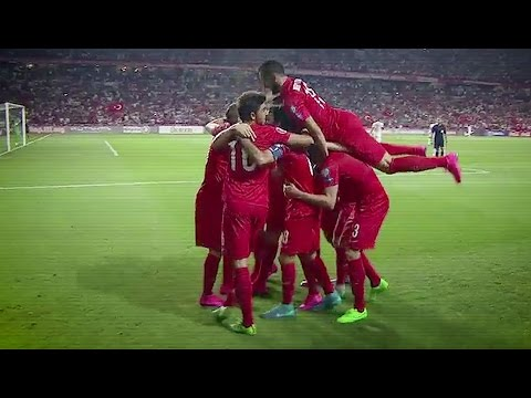 Turkey-Netherlands 3-0 - Dutch commentator goes crazy (Original) HD
