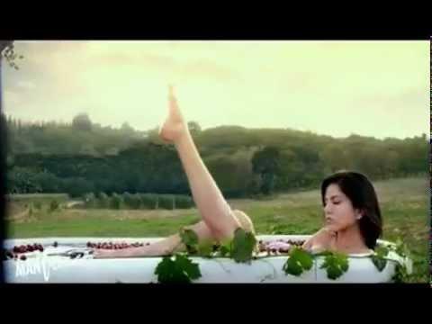 Sunny leones hot scene on JISM 2HD