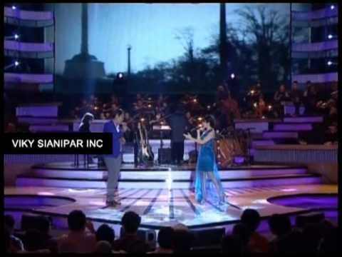 Viky Sianipar inc.| Harmony Sctv 2012 | Seluruh Nafas Ini | Viky Sianipar feat. Last Child Giselle