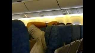 Moroccan Harlem Shake in the plane