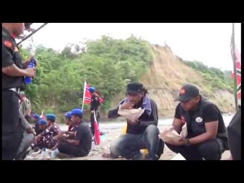 Imum Jhon Terbaru - Rauh Ka Ta Lhom (album Gendrang Politek, 2014) video