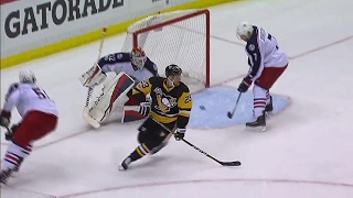 Gotta See It: Wilson gets first NHL playoff goal with a no-look backhander