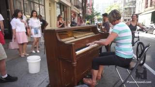 download lagu Mom Crushes It On A Street Piano In Nyc gratis
