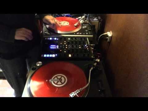 Jump Around (twerk mix) Z2 Numark tt250