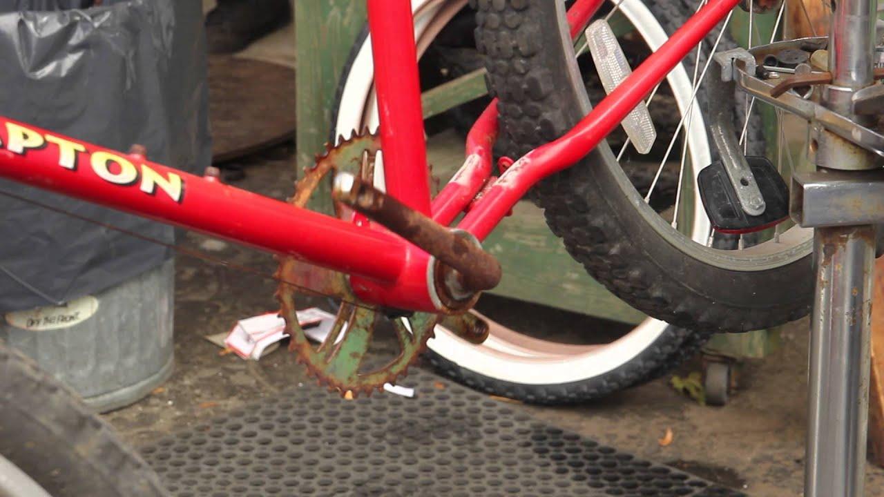Rusted Bike Repair Hampton Cruiser Part 2 Crank Bottom