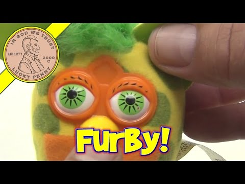 Furby Stuffed Plush Back Pack Clip On Toy. 2000 Tiger Electronics Ltd.