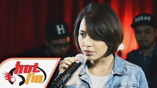 JANNA NICK - Cinta Ini Membunuhku LIVE - Akustik Hot - HotTV