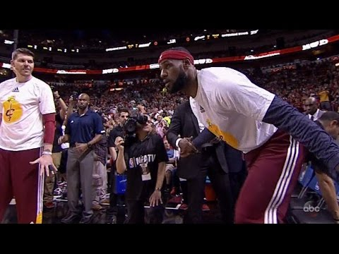 LeBron James cheered in Christmas return to Miami: Cavaliers at Heat