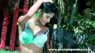 Poonam Pandey Holi Celebration.flv