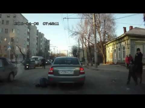 В Калуге сбили женщину с маленьким ребенком