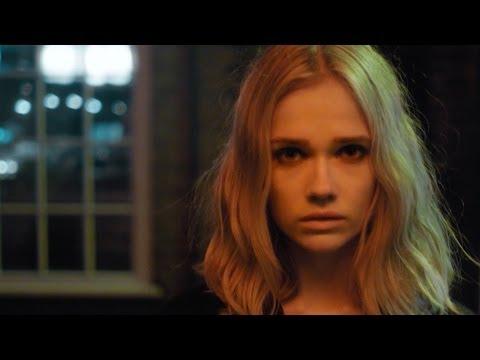 Florrie - Wanna Control Myself (Official Video)