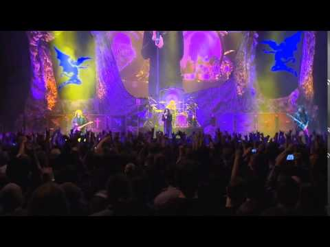 "Black Sabbath - ""Into The Void"" Live 2013"