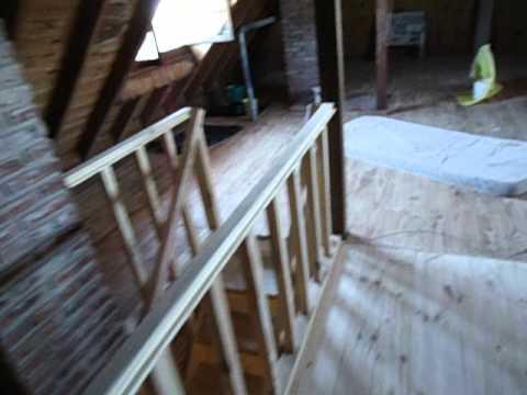 Entrepiso de madera baranda y escalera forrada con - Barandas de escaleras de madera ...