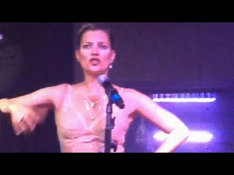 KATE MOSS LIP SYNC - AMFAR SP