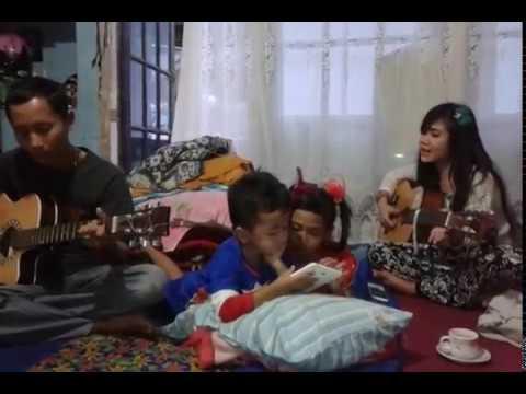 Rayola & agiel raizela band (iseng akustik)