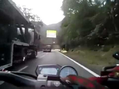 Motociclista loco // Crazy motorcycle driver