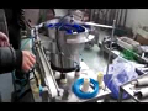 Штучный дозатор пластиковых ложек