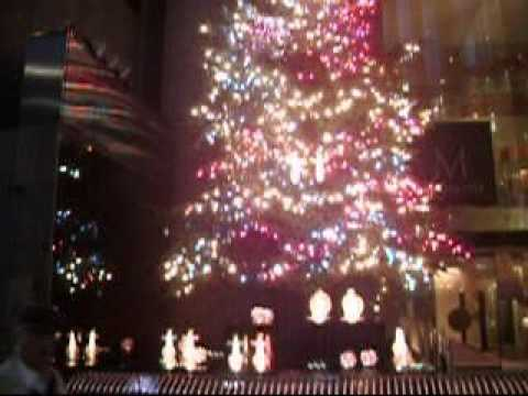 A merry Planet (Christmas Tree at Mikimoto, GInza) Video