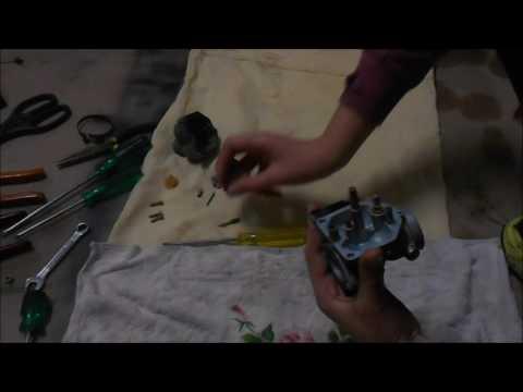 How to Clean a Carburetor on 2000 Honda xr200r