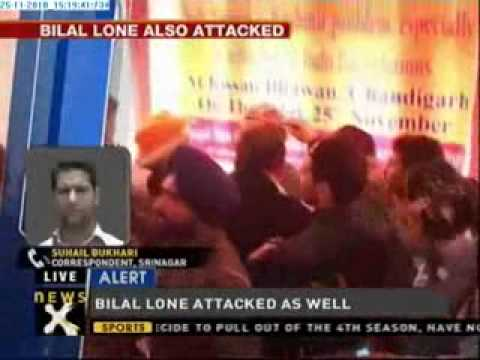 Hurriyat leader Mirwaiz manhandled in Chandigarh