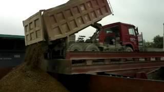 Ô tô - Tay lái của mỏ Khả Phong