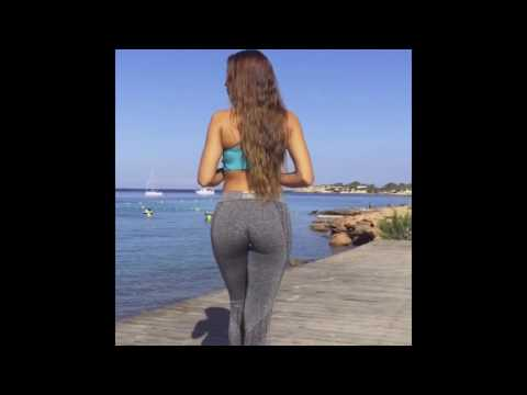 GIRL IN LEGGINGS HOT wolking thumbnail