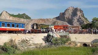 Thông tuyến đường sắt qua điểm tai nạn ở Thanh Hóa