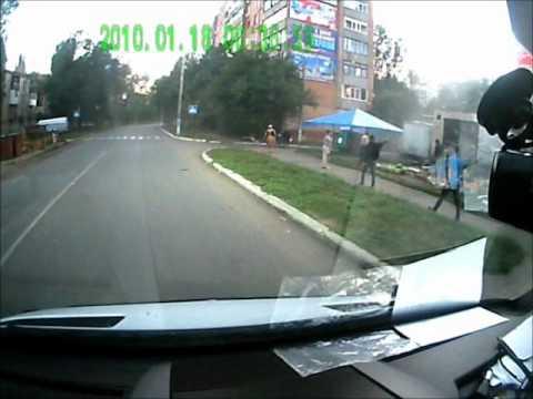 Lanos вылетел на тротуар и перевернулся. ДТП авария в Авдеевке