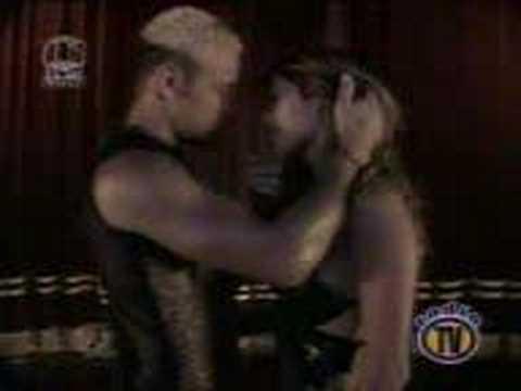 Axe Bahia - Beso en la boca [el videoclip]