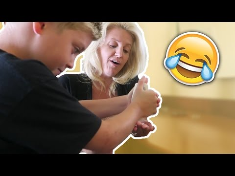 7 WAYS TO PRANK MOMS - HOW TO PRANKS