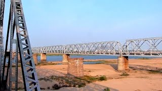 INDIAN RAILWAYS Massive Railway Bridge at Vijayawada !!
