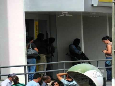 assalto a banco do brasil de sao domingos goias.mp4