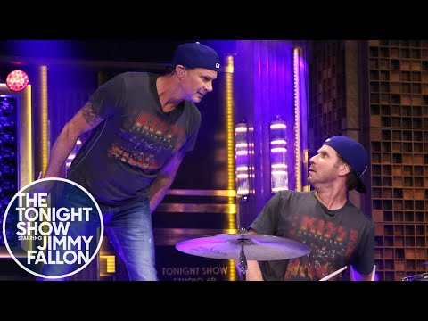 Will Ferrell and Chad Smith Drum-Off klip izle